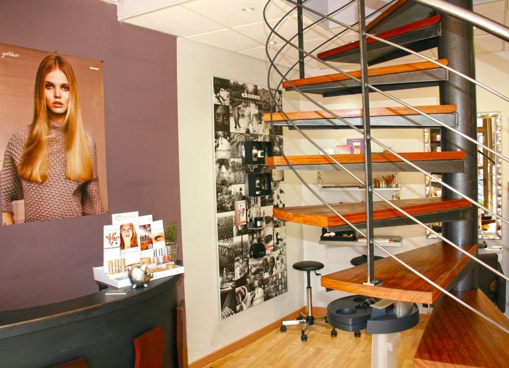 Pr sentation du salon univers coiffure univers coiffure - Salon de coiffure cherche coiffeuse ...