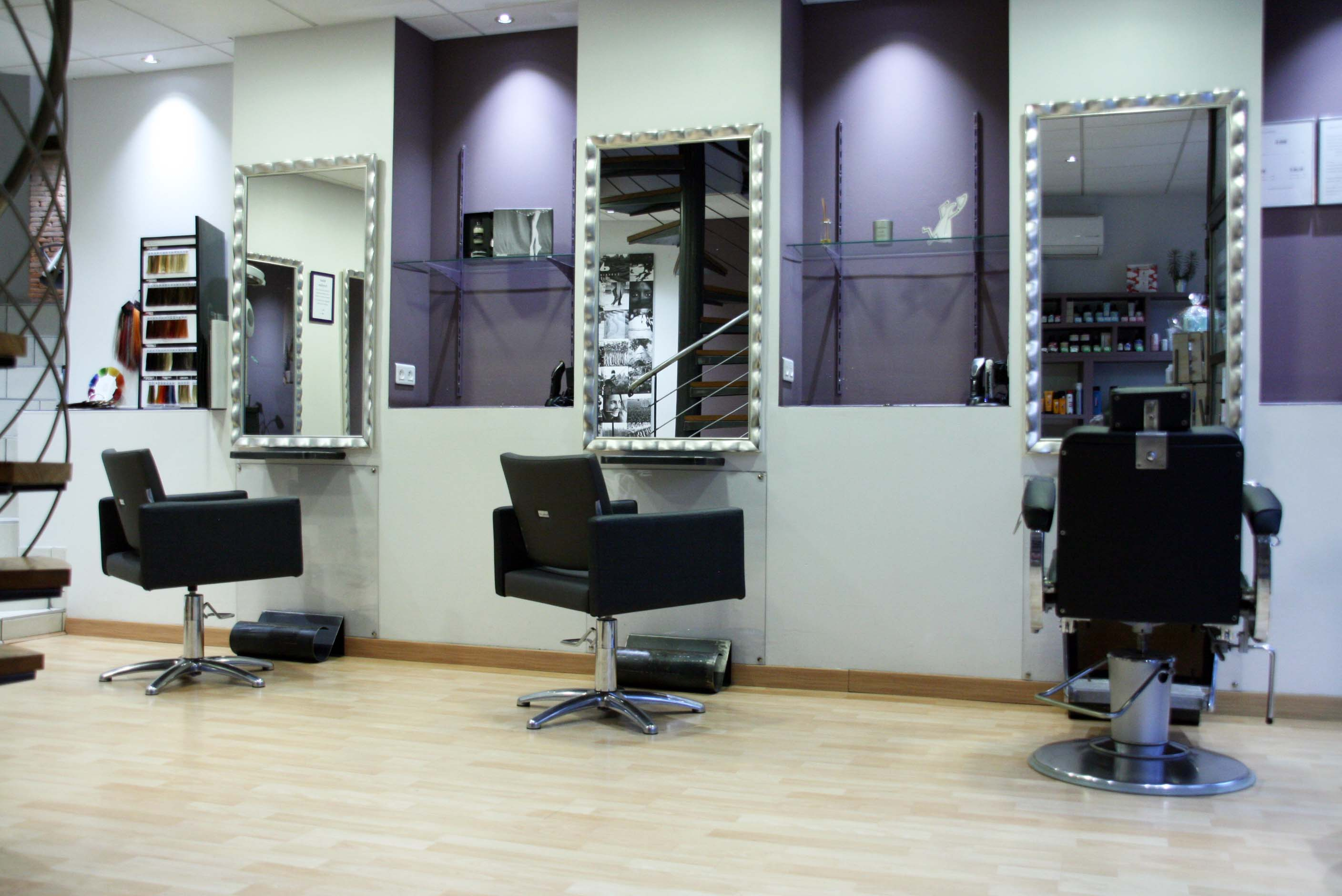 A fronton univers coiffure coiffeur 05 62 79 18 41 for Salon de coiffure appartement